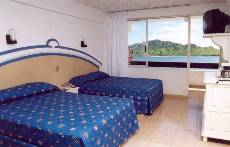 Las Flores Beach Resort - Room - 2