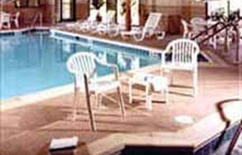 Sleep Inn & Suites - Pool - 3