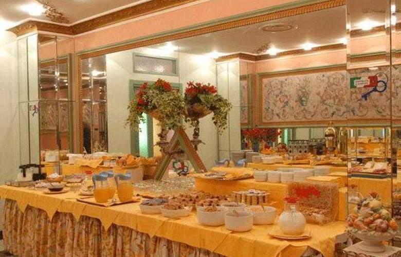 Grand Hotel Puccini - Restaurant - 2