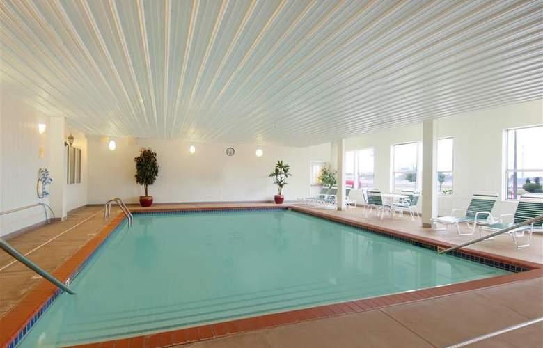Best Western Greentree Inn & Suites - Pool - 148