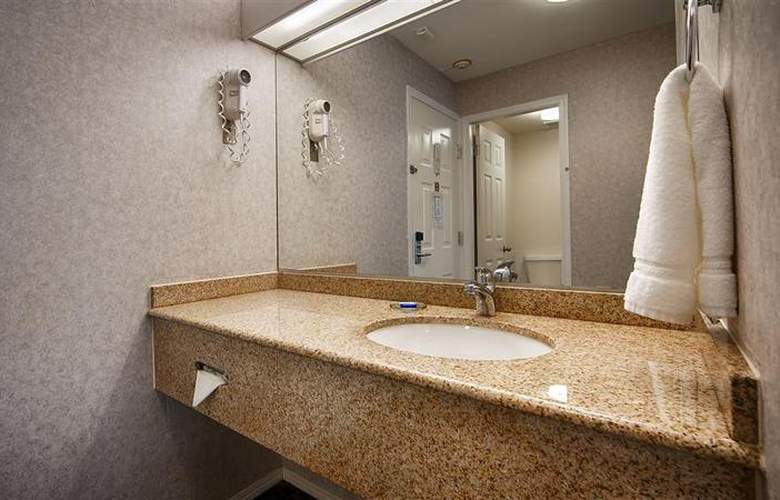 Best Western Capilano Inn & Suites - Room - 28