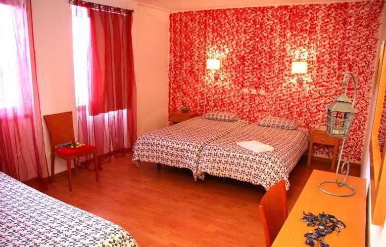 Sao Pedro Lisbon - Room - 2
