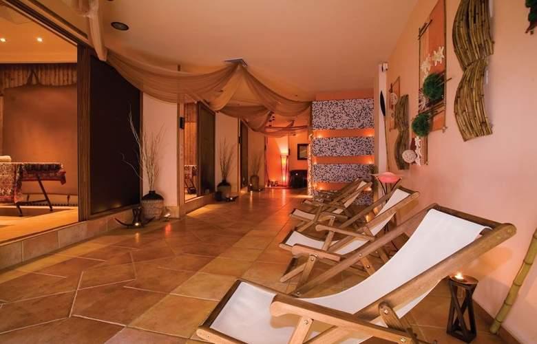 Majestic Beach Resort - Spa - 25