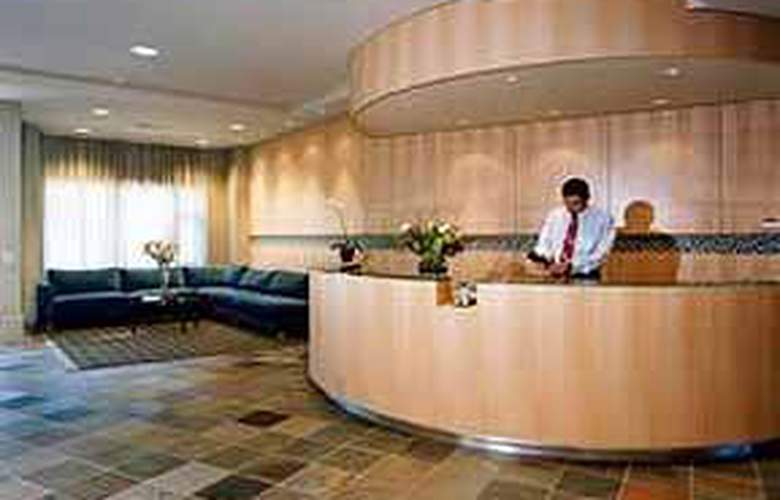Quality Hotel Airport South Richmond - General - 1
