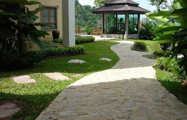 Supalai Resort & Spa Phuket - Terrace - 11