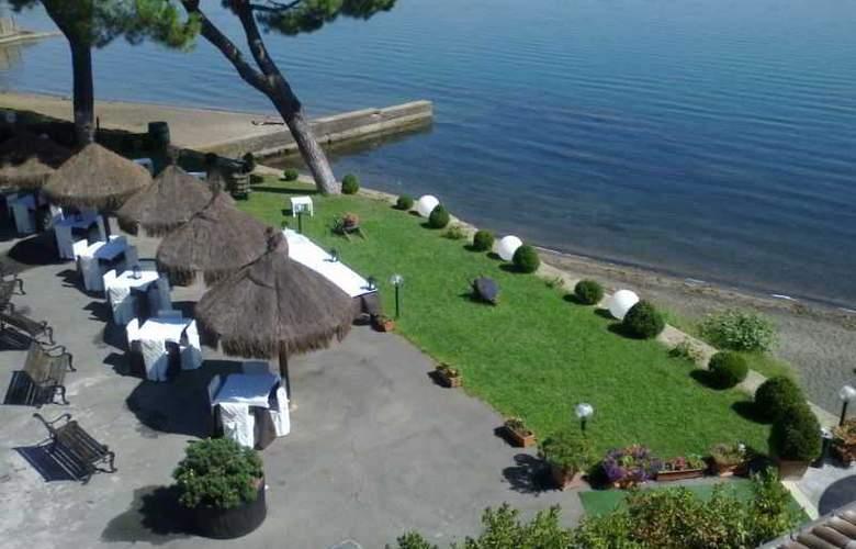 Alfredo Hotel - Beach - 3