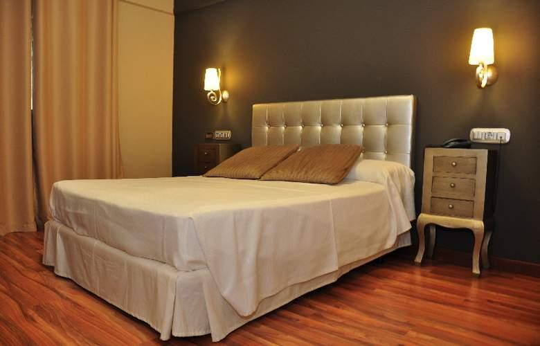 Doña Carmela Sercotel - Room - 17