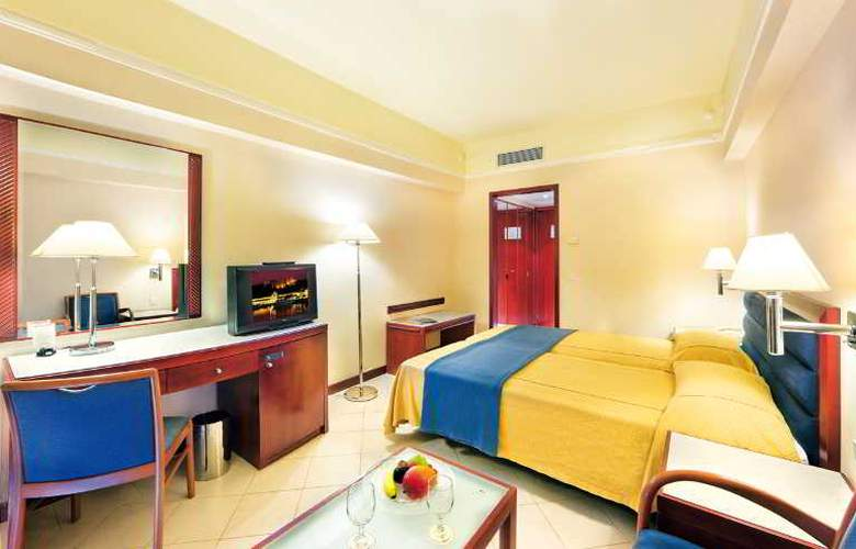 Mediterranean Hotel - Room - 11