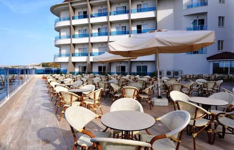 Ramada Resort Side - Terrace - 42