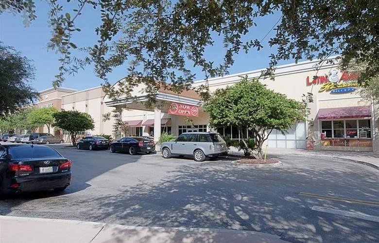 Best Western Plus Kendall Hotel & Suites - Hotel - 98