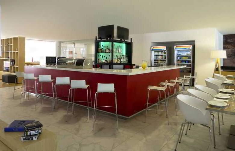 Fiesta Inn Leon - Bar - 9