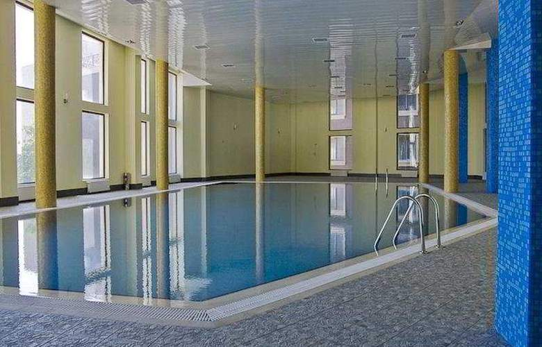 The Crown - Pool - 4