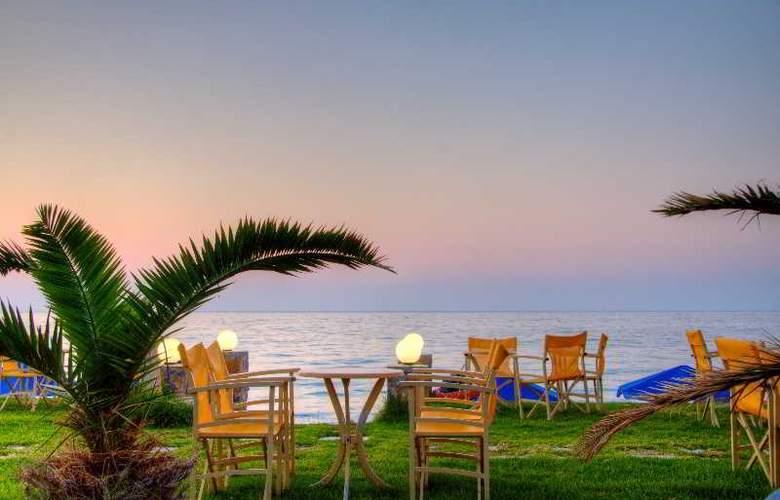 Krini Beach Hotel - Beach - 3