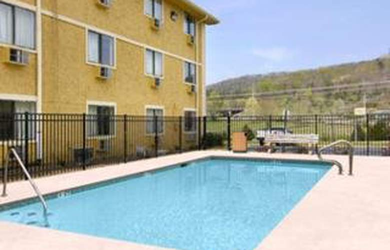 Super 8 Motel Chattanooga Lookout Mtn - Pool - 6