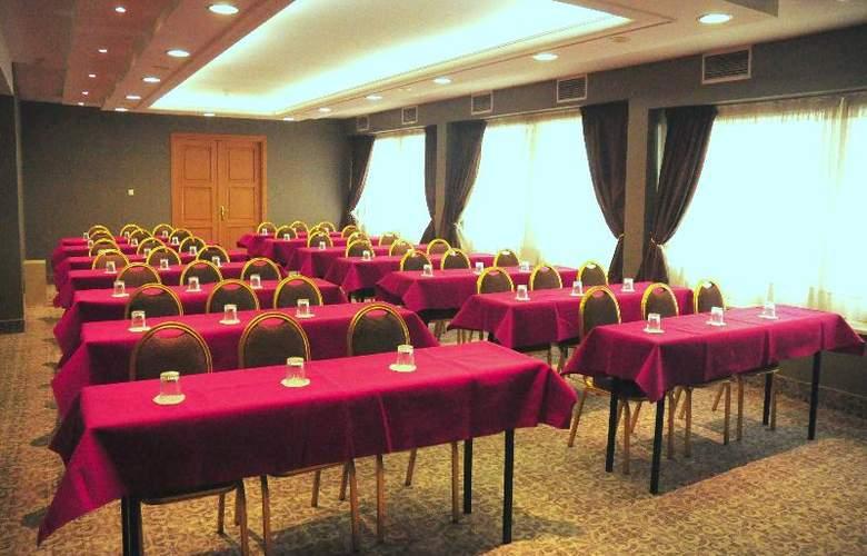 Golden Star Hotel - Conference - 34