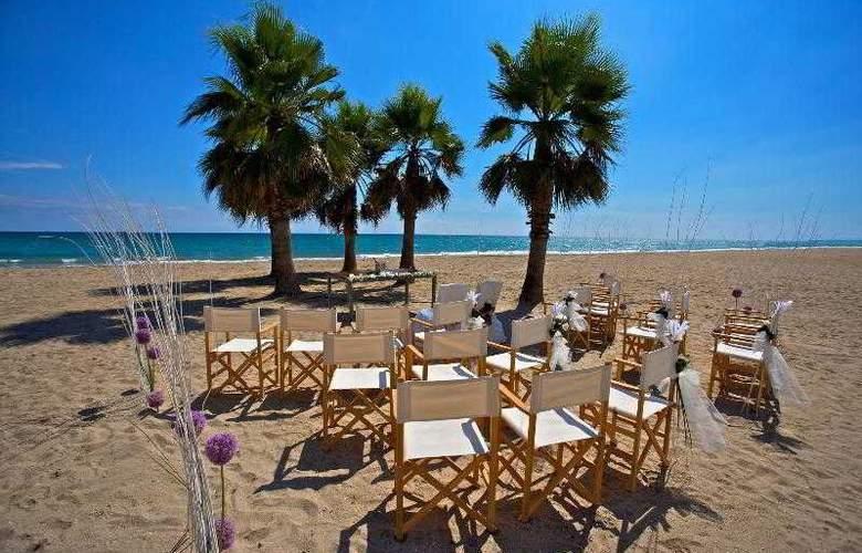 Le Meridien Ra Beach Hotel & Spa - Beach - 56