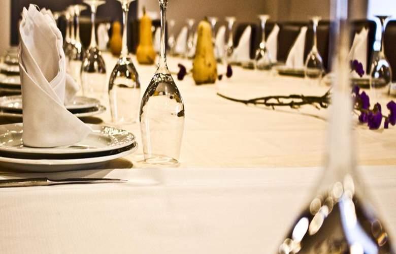 Corona de Galicia - Restaurant - 29