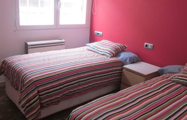 Apartamentos Camilo - Room - 1