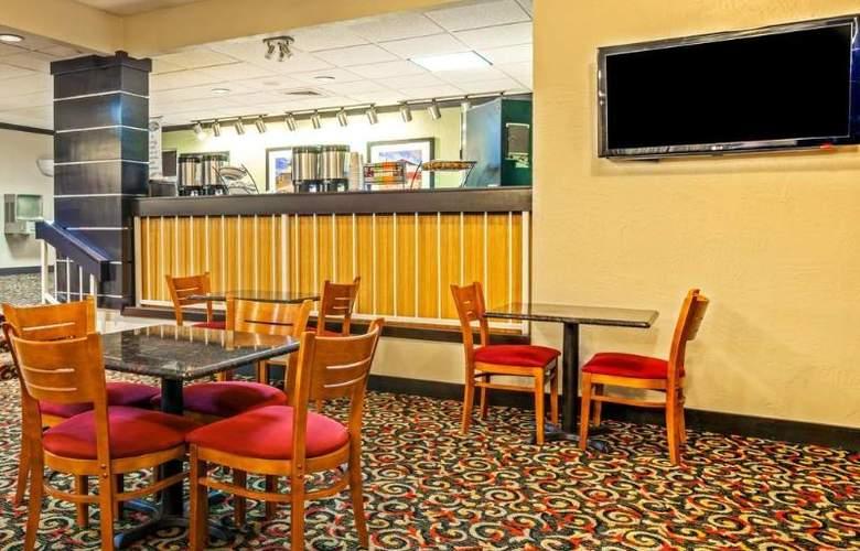 Baymont by Wyndham Amarillo East - Meals - 11