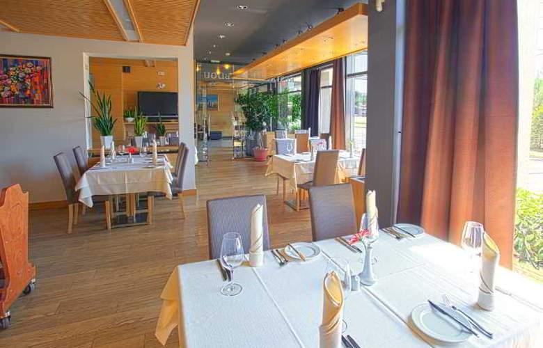 Silver - Restaurant - 11