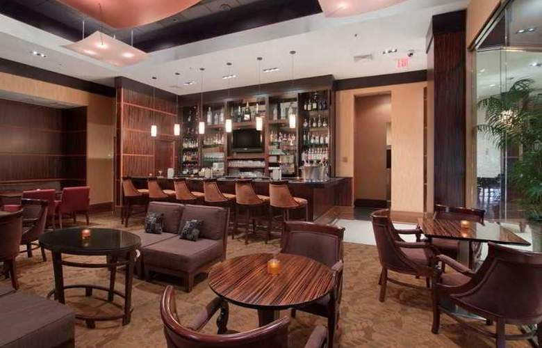 Hilton Philadelphia City Avenue - Bar - 0