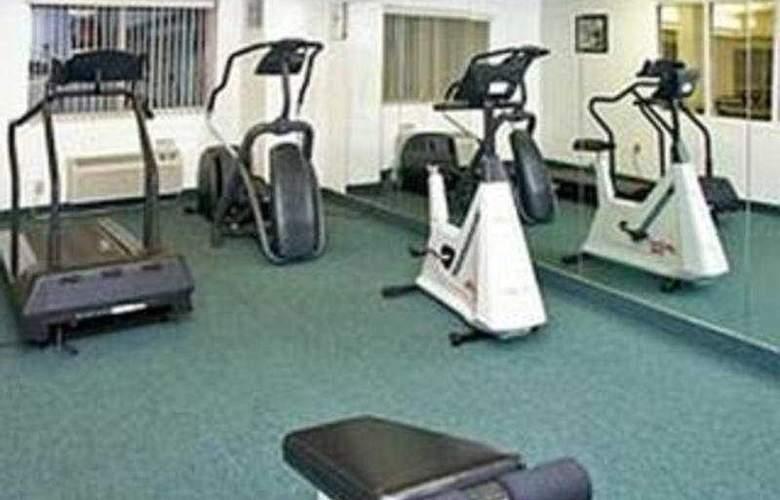 La Quinta Inn & Suites Dallas Northwest - Sport - 8