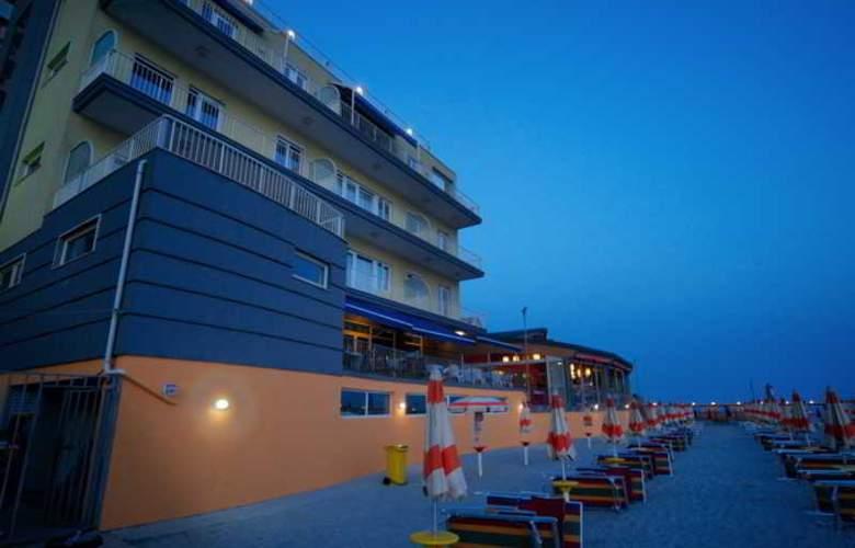 Aragosta - Beach - 3