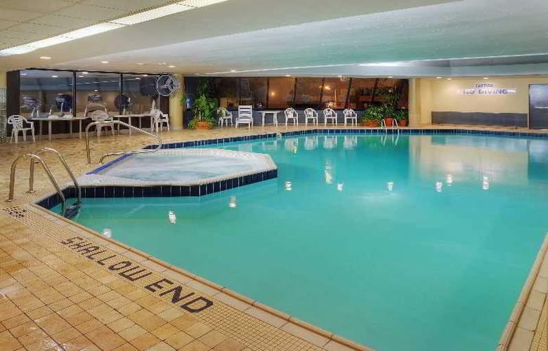 Hilton Garden Inn Ottawa Downtown - Sport - 2