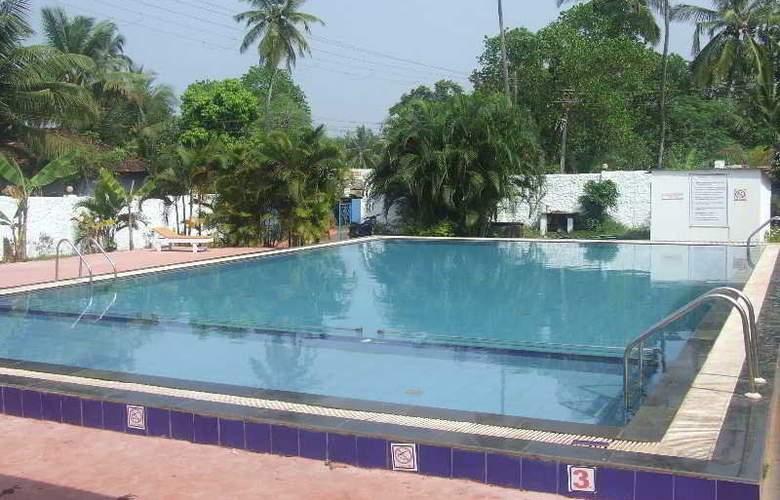 Arambol Beach Resort - Pool - 3