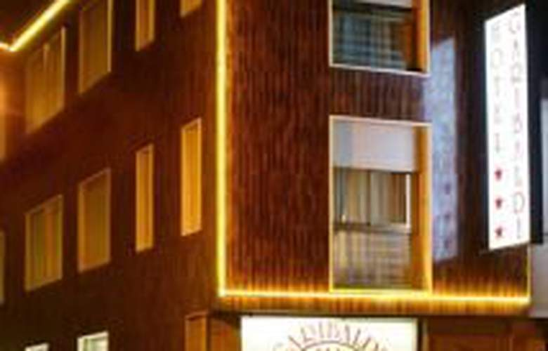 Garibaldi - Hotel - 0