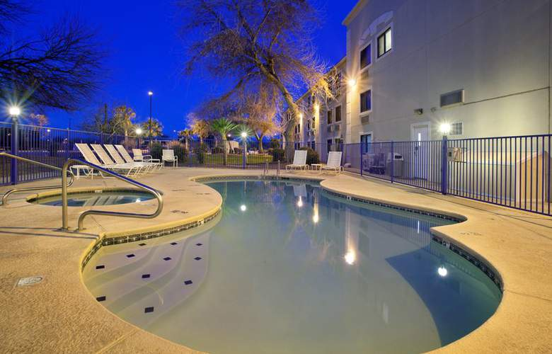 Holiday Inn Express Tucson-Airport - Pool - 16