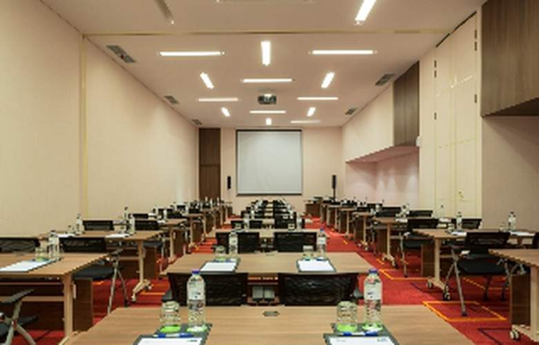 Holiday Inn Express Jakarta Pluit Citygate - Conference - 3