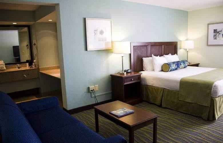 Best Western Plus Myrtle Beach Hotel - Hotel - 3