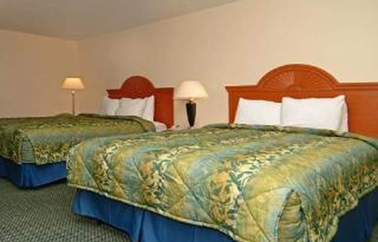 Sleep Inn & Suites - Room - 5