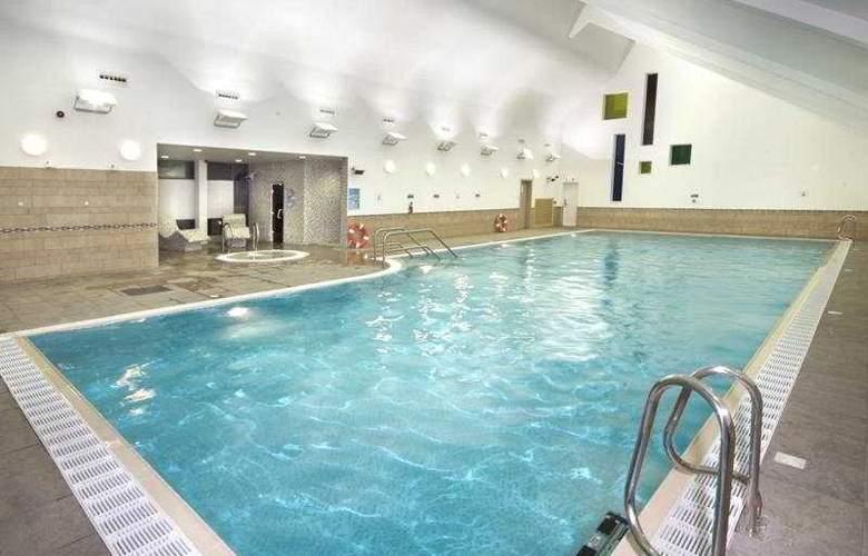 Ashford International Hotel - QHotels - Pool - 4