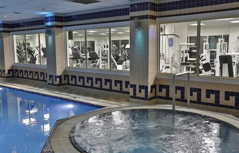 Best Western Stoke-On-Trent Moat House - Pool - 88