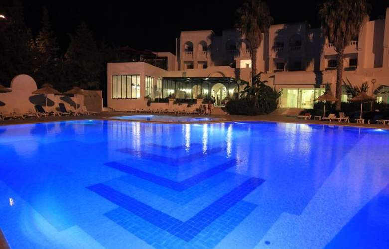 Menara - Pool - 6