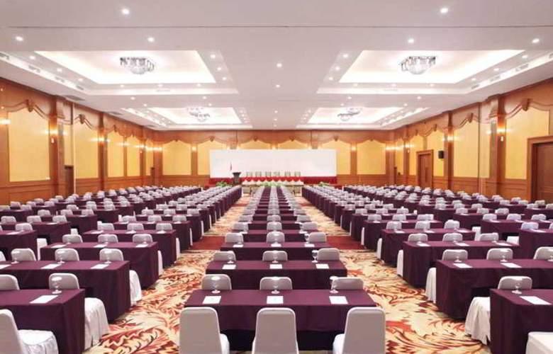 Lombok Raya - Conference - 14