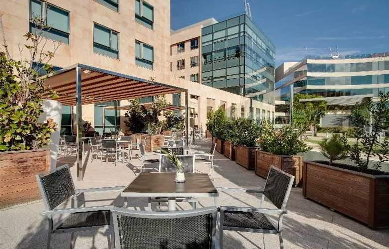 Rafaelhoteles Madrid Norte - Terrace - 52