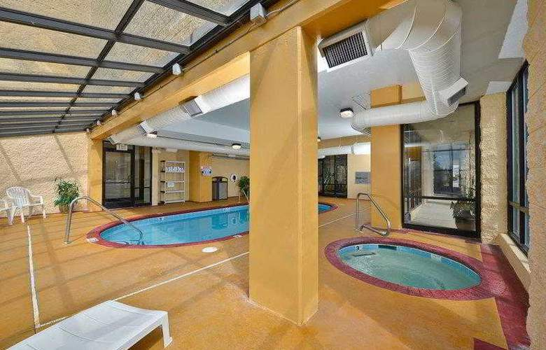 Best Western Knoxville - Hotel - 16