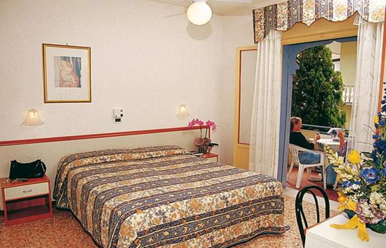 Maxim - Hotel - 2