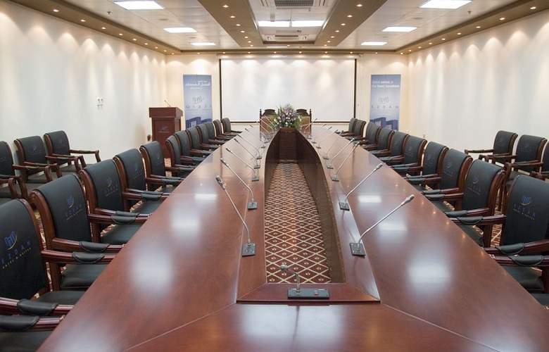 Ezdan Hotel & Suites - Conference - 13