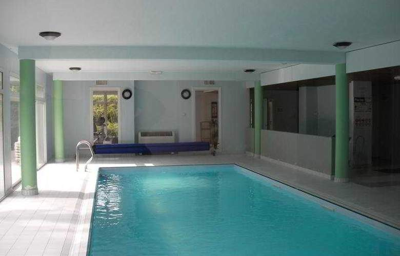 Résidence Le Royal - Pool - 4