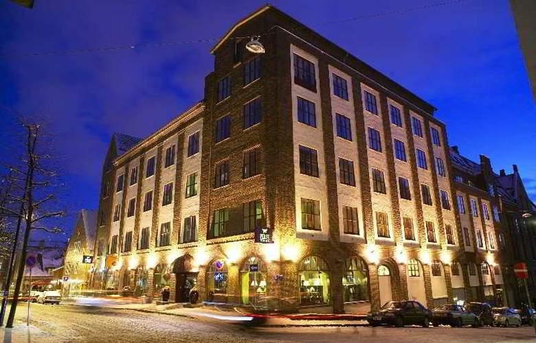 First Marin - Hotel - 0