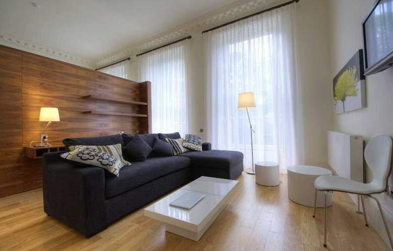 Clarendon Luxury Apartments - Room - 9
