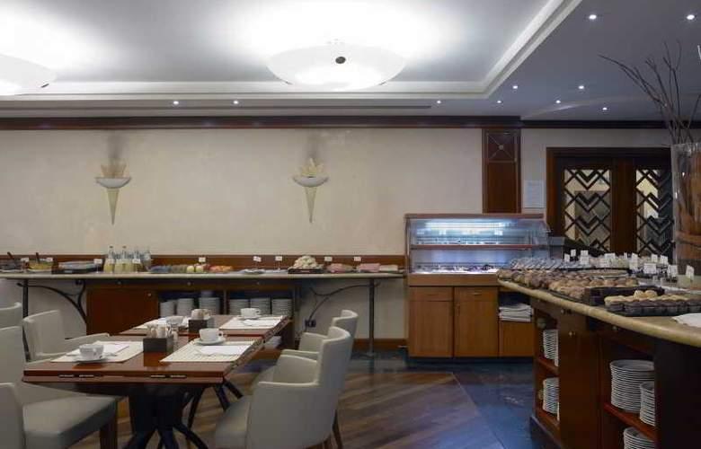 NH Torino Centro - Restaurant - 18