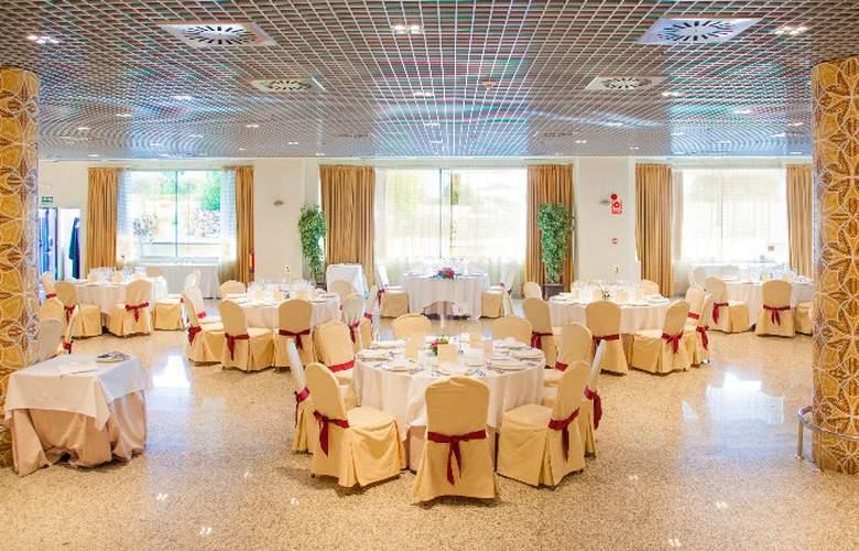 Fc Villalba - Restaurant - 18