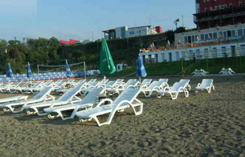 Mora Hotel - Beach - 4