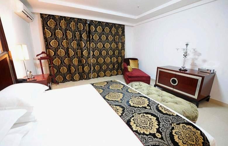 Ritz Victoria Garden - Room - 16
