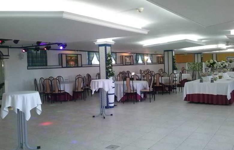 Castro - Restaurant - 13
